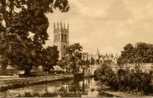 UK - England, Oxford. Magdalen College from the Cherwell