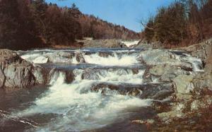 VT - Quechee Gorge, Rapids on the Ottauquechee River
