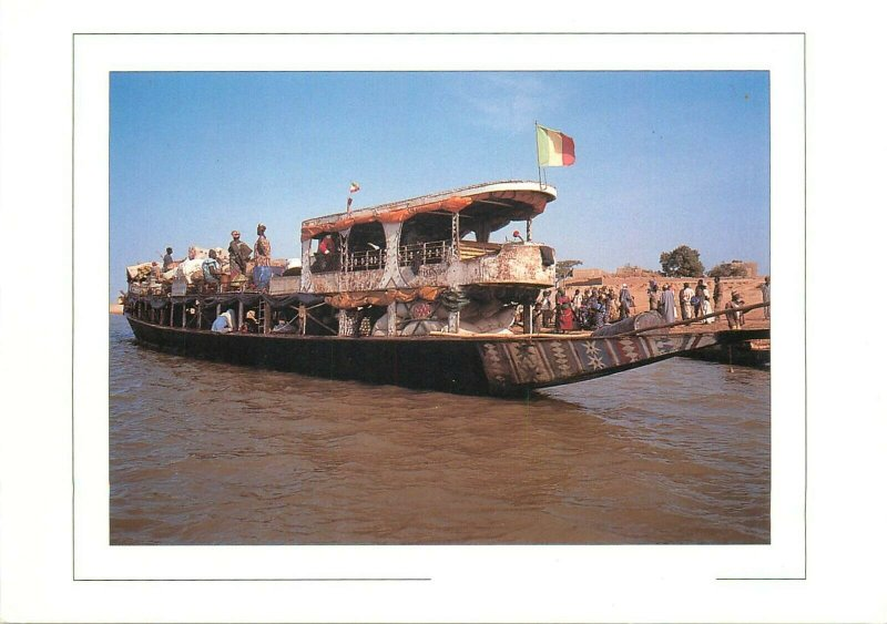 Mali Djene pirogue de transport sur le fleuve Niger postcard