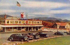 STERLING ALASKA FUR & GAMES FARMS Lake Placid, NY Roadside ca 1950s Postcard
