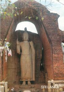 Sri Lanka the Aukana Buddha