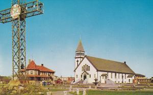 Eglise St-Redempteur / Church , MATANE , Quebec , Canada , 40-60s