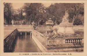 NIMES, Jardin de la Fontaine, Bains Romaines, Gard, France, 10-20s