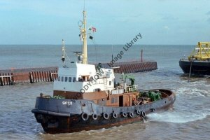 ap0886 - Danish Tug - Skuld , built 1970 - photograph 6x4