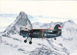 An-2 des Antonov Vereins Schweiz vor dem Matterhorn , Airplane , 80-90s