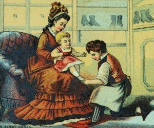 1870's-80's Lovely Inside Shoe Store Scene Babies First Shoes Victorian Card F79