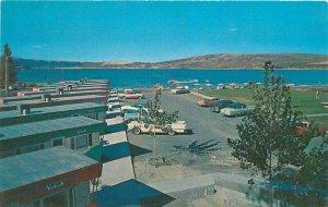 Autos 1950s Tumwata Lodge Soap Lake Washington roadside Moeller Postcard 7698