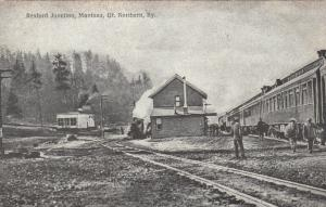 REXFORD JUNCTION , Montana , 1900-10s ; Train at Gt. Northern Railroad Depot