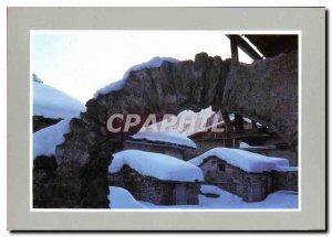 Postcard Modern Fun in the snow