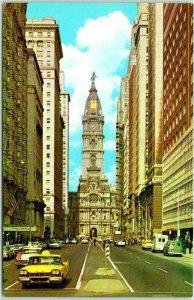 1960s Philadelphia, Pennsylvania Postcard CITY HALL Street View The Quaker City