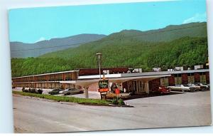 Holiday Inn Cumberland Mountains Cove Lake Caryville Tennessee Postcard A88