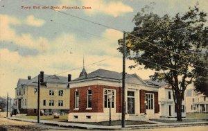 LP06 Plainville  Connecticut Postcard Town Hall Bank