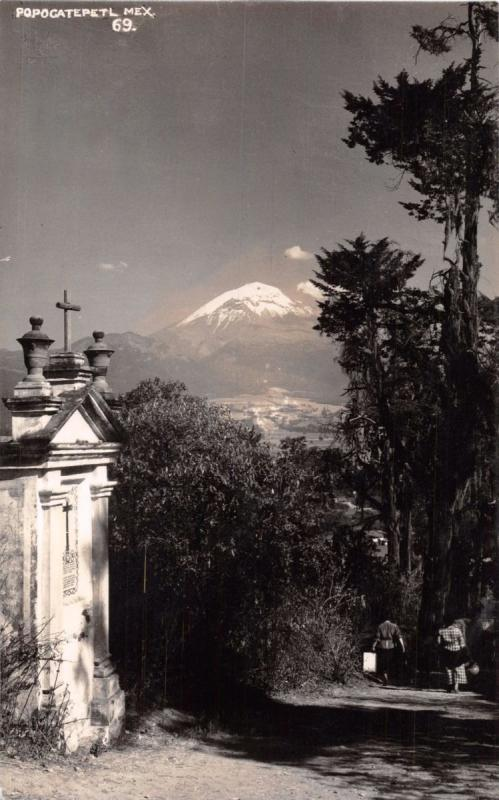 POPOCATEPETL PUEBLA MEXICO~VIEW PAST CHURCH DOWN PATH~ REAL PHOTO POSTCARD 1940s