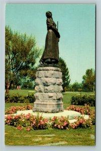Grand Pre NS- Nova Scotia, Evangeline Monument, Chrome Postcard