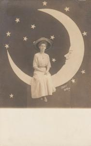 RP; Woman on a paper Moon , 00-10s