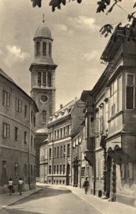 Hungary Sopron Utcarészlet az Evangelikus templommal 01.49