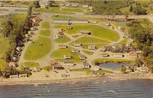 4413 ME Belfast  1960´s Colonial Gables Motel and Cottages Aerial View