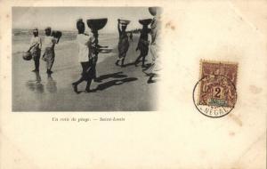 CPA Sénégal Afrique Saint-Louis - Un coin de plage (68158)