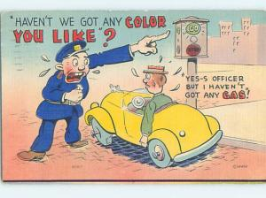 Linen comic POLICE OFFICER POINTING AT OLD STYLE STOPLIGHT HJ1969