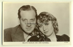 b0939 - Melvyn Douglas & Joan Blondell - Picturegoer Film postcard Partners P245