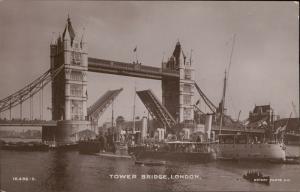 London Tower Bridge Rotary Photographic ships shipping
