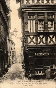 CPA LISIEUX - La Rue de la Paix (276567)