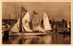 CPA CONCARNEAU (Finistere) - Thonniers au port (252749)