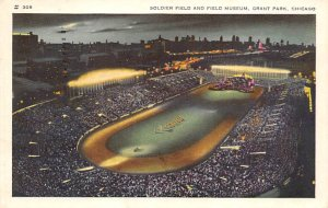 Soldier Field & Field Museum, Grant Park Chicago, Illinois, USA Football Stad...