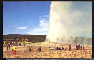 USA Postcard Old Faithful Geyser Yellowstone National Park Wyoming