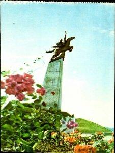CI01352 north korea pyongyang statue of chullima