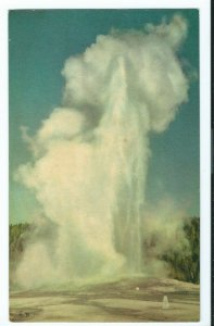 Vintage 1938 Postcard OLD FAITHFUL GEYSER Yellowstone National Park VPC1.