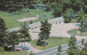 GREAT BARRINGTON , Mass. , 1970 ; Monument Mountain Motel