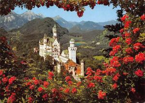 Royal Castle Neuschwanstein Schloss mit Schwansee Gesamtansicht