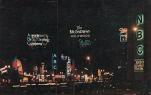 HOLLYWOOD , California , 50-60s ; Sunset Boulevard at night