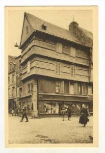 Bretagne, QUIMPER (Finistere), France 1910-30s Vieille Maison de la Rue Kereon