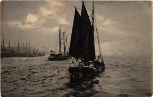 CPA Ships on Postcard SHIPS (782986)