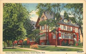 1940s GRAND RAPIDS MICHIGAN Furniture Museum TEICH SHAW NEWS Postcard 4961