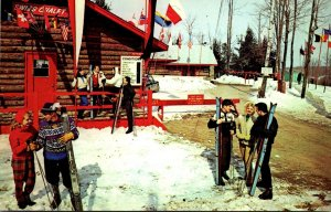 New York Kiamesha Lake The Concord Hotel Skiers At Swiss Chalet