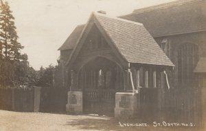 RP: St Osyth , Essex , England , UK ,1916 ; Lygh-Gate