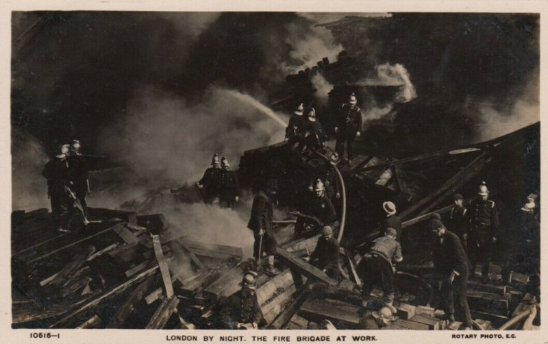 RP: LONDON, England, UK , 1910s ; Fire Brigade at work