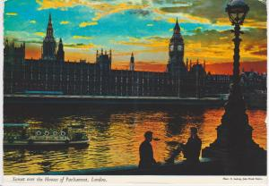 SUNSET OVER HOUSES OF PARLIAMENT, LONDON