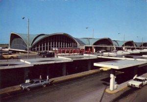 Continental-size LAMBERT ST. LOUIS INTERNATIONAL AIRPORT, MISSOURI