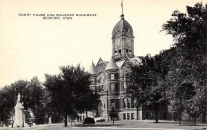 Bedford IA Civil War Soldiers Monument by the Courthouse~B&W Postcard c1910