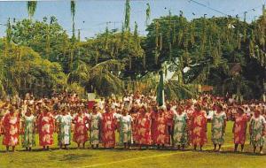 General View, Tahitian singers in 14th July´s Fair, Tahiti, 40-60s