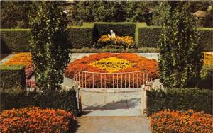Mansfield Ohio~Formal Garden @ Kingwood Center~1960s Postcard