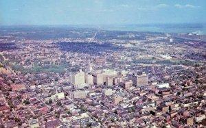 birdseye view DE Wilmington Delaware with population 100000 postcard