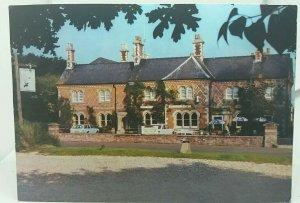 Vintage Postcard The Savernake Forest Hotel Burbage Wiltshire Posted 1980