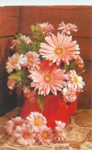 Postcard flowers bouquet vase decorations pink leaves buds Oxeye daisy