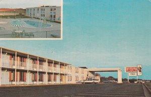 BURLINGTON , North Carolina , 50-60s ; Ramada Inn , Swimming Pool