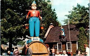 DANBURY, CT Connecticut   NEW AMSTERDAM VILLAGE Giant Figure  1979  Postcard